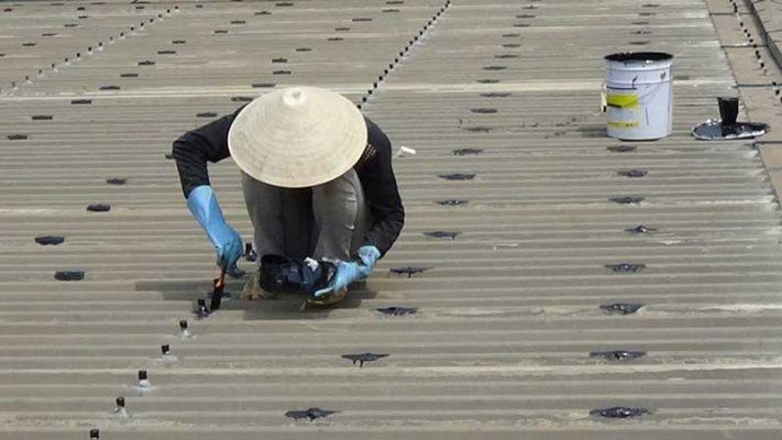 Kết quả hình ảnh cho thợ làm mái tôn tại quận 5